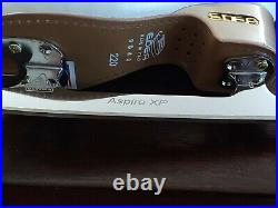 Edea Overture 220 C Figure Skates with Aspire XP blades Only Worn Twice