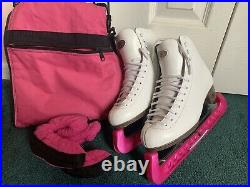 Figure ice skates size 5 1/2, blade size 9 1/2 comes with bag and blade covers