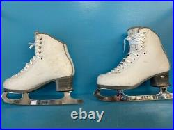 Jackson Debut FS2450 size 6.5R Boots with Coronation Ace blades (gently used)