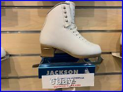 Jackson Freestyle FS2190 7.5R with blade size 7.5 Ice Skates For Girls Women Lad