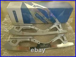 MK Figure Skating Blades Gold Star Revolution 8 3/4 (only use it for 1 day)