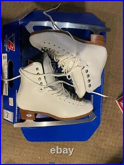 NEW Riedell 255 Motion Figure Skates Suze 5.5 M. Astra Eclipse Blades