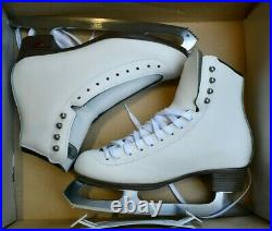 RIEDELL 133 Girls/Ladies Ice Skates White Size 6 A boots ASTRA blades figure