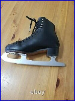 Riedell 255 Motion Size 4W Boys Figure Skates with MK Professional Blades 9.5