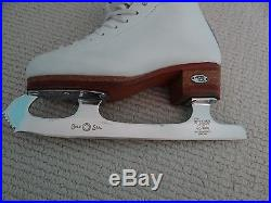 Riedell 875 Silver Star figure skates Size 2.5 with Wilson Gold Seal blades