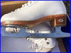 Riedell #910 Figure Ice Skates Size 5 W with MK Double Star Blades