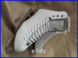 Riedell 910 Flair Ice Skates 6.5 Beautiful Eclipse Astra Blades Lovely Figure