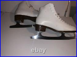 Riedell Figure Ice Skates Womens Size 7, With Blade Cover