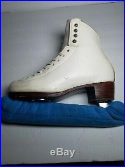 Riedell Figure Skate 435 size 5 D/A Width Wilson Coronation 9.5 Blade pre owned