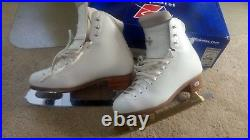 Riedell Flair 910 Ice Skates 4.5 Narrow with MK blades