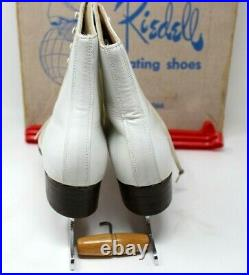 Riedell Ice Skating Shoes & Blades Size 6 White Skates Figure Leather VGUC