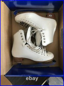 Riedell Motion 255 MOT Figure Skates Size 4 Wide With Eclipse Mist 9 1/4 Blade
