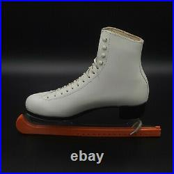Riedell Royal Ice Skates Womens Size US 8.5 Figure Skating White W Blade Covers