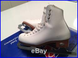 Riedell ice figure skates girls size 3 model 25 with CRES090 Eclipse blade