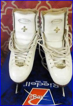 Size 5 B-A Riedell Model 1310 Figure Skates With GAM G18 blades size 9 1/2
