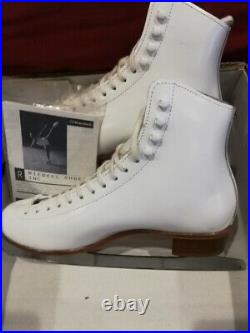 USA RIEDELL 220 White Figure Ice Skates with Wilson Sheffield Excel Blades size 9N