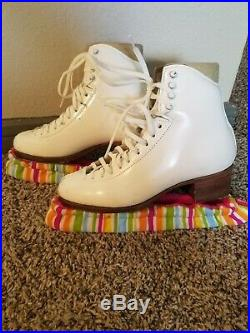 Womens Harlick figure skates size 6 with Vision Blade used in great condition
